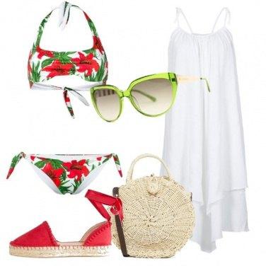 Outfit Fiori rossi sul bikini