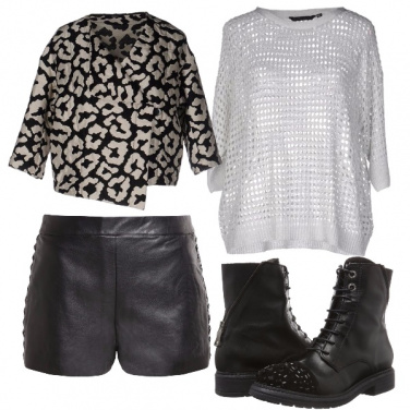 Outfit Shorts in pelle