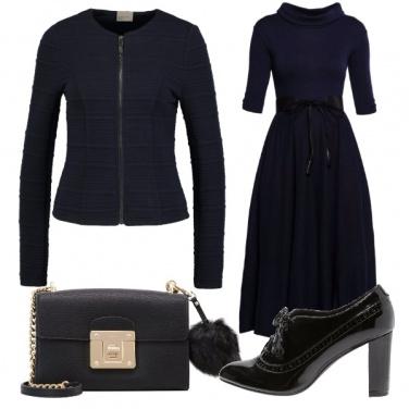 Outfit Vestito navy e francesine black