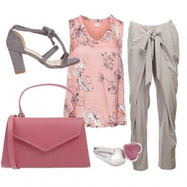 Outfit CMPS Morbidamente alla mano