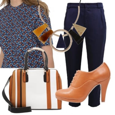 Outfit Blu e color cognac