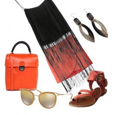 Outfit Mini arancio e frange
