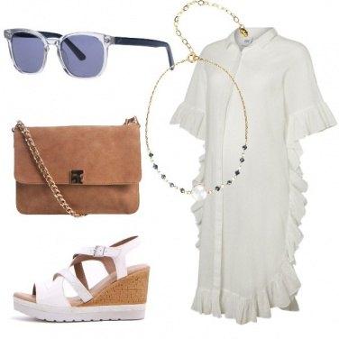 Outfit Vestito bianco con volant