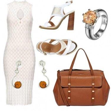 Outfit CMPS Una donna sicura di se\'