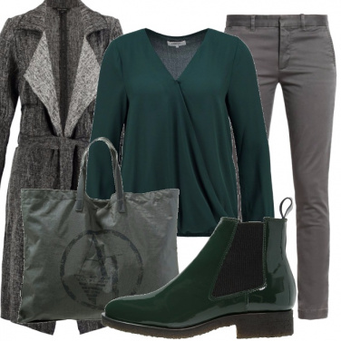 Outfit Grigio e verde urban chic