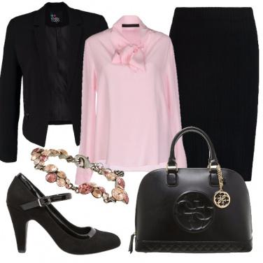 Outfit In rosa al lavoro