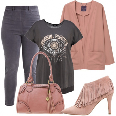 Outfit Sporty chic per curvy
