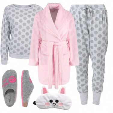 Outfit A letto con i pois