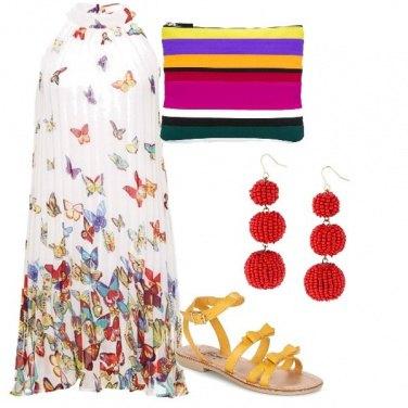 Outfit Pochette multicolore e abito fresco