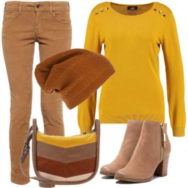Outfit Giallo ocra senape