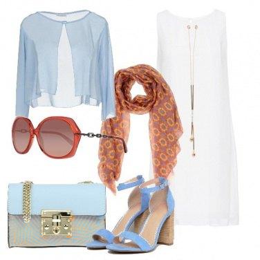 Outfit Bianco celeste e tocchi arancio