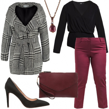 Outfit Curvy rosso rubino