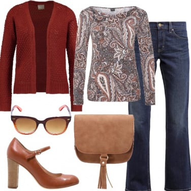 Outfit Jeans e stampa cachemire
