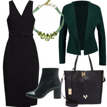 Outfit Tubino nero e verde bosco