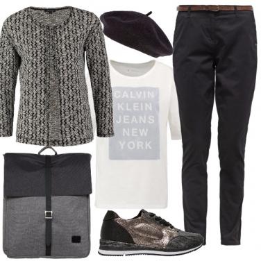 Outfit Con lo zaino e il basco