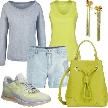 Outfit Casual in verde acido