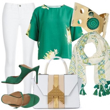 Outfit Verde su bianco
