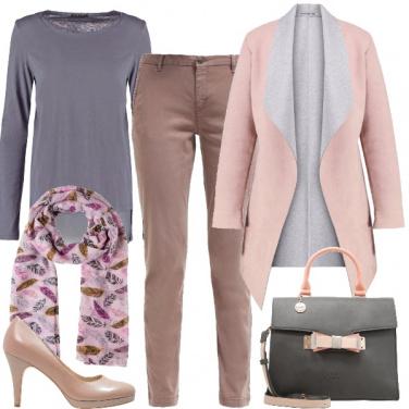 Outfit Accordi di rosa e grigio