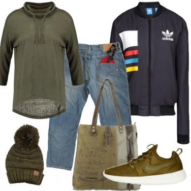 Outfit Sportiva in verde mimetico