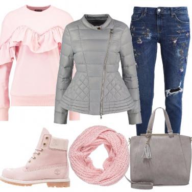 Outfit Sbarazzina in rosa e grigio