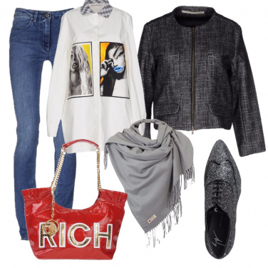 Outfit Argento anziché grigio