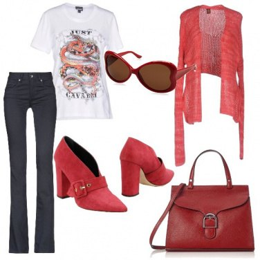 Outfit T shirt in ufficio
