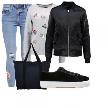Outfit Ricami stampe e toppe