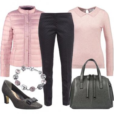 Outfit Delicata in grigio e rosa