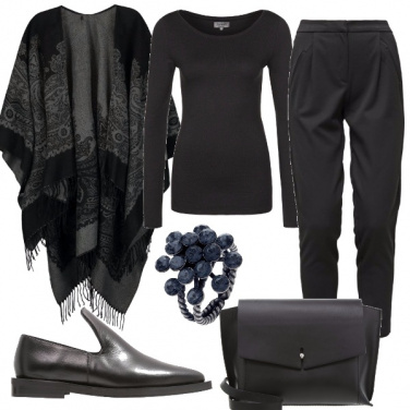 Outfit Mantella sulle spalle