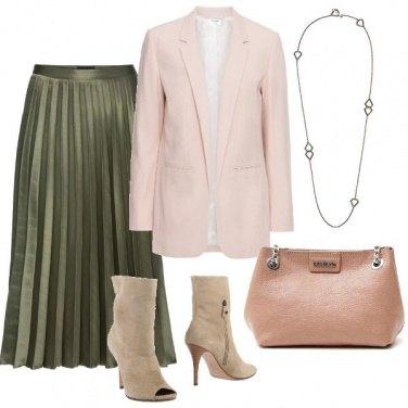 Outfit Verde e tonalità pastello