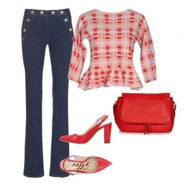 Outfit Jeans e pull per giornate fresche