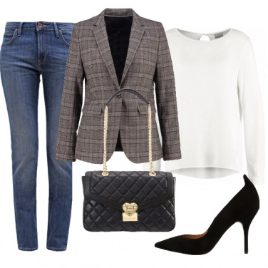 Outfit In giacca, jeans e décolleté