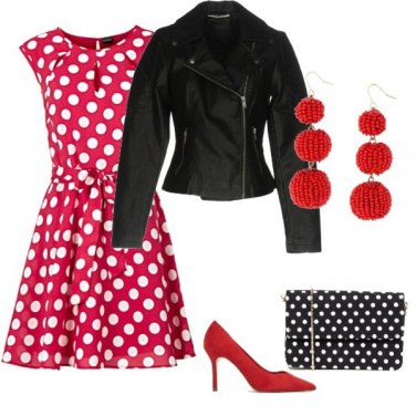 Outfit Per stasera abito rosso a pois