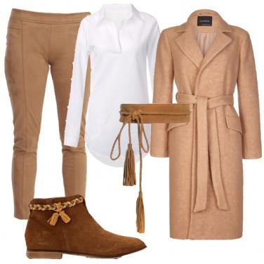 Outfit Un versatile color cammello