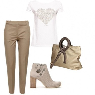 Outfit Golden and white
