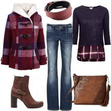 Outfit Jeans a zampa e stivaletti