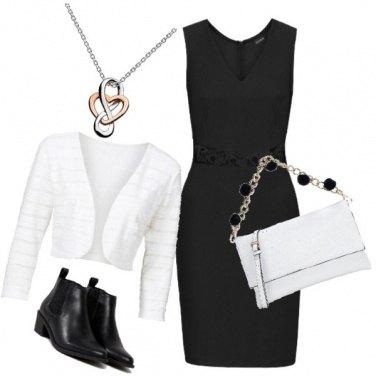 Outfit Tubino e tacchi bassi