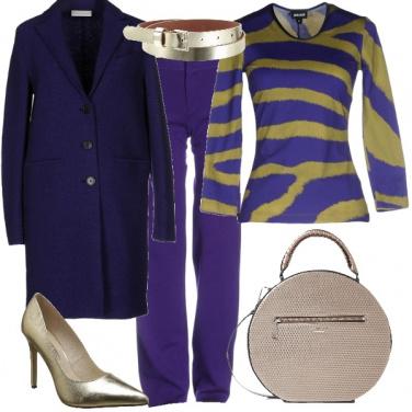 Outfit Un po\' di oro sul viola