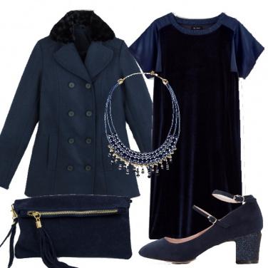 Outfit Giochi di velluto blu per le curvy