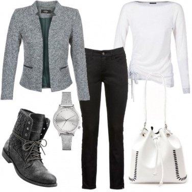 Outfit Giacca e stivaletti stringati