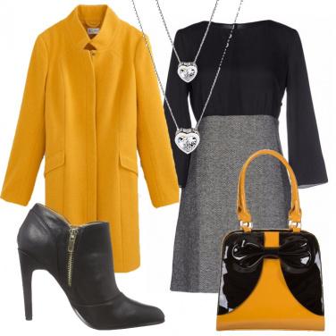 Outfit Il cappotto giallo miele