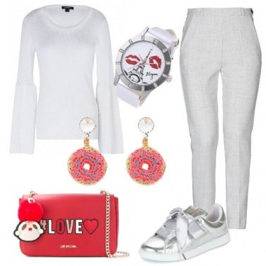 Outfit Sneakers con fiocco