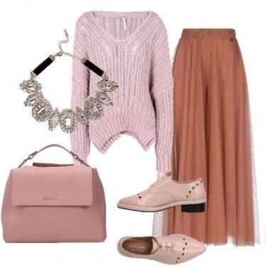 Outfit Stringate, tulle e maglione