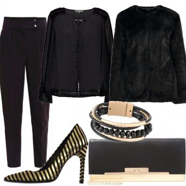Outfit Décolleté nero e oro