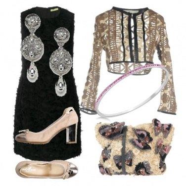 Outfit Party con farfalle e ricami