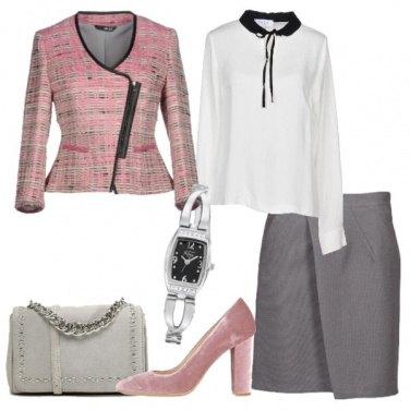 Outfit Giacca rosa scozzese gonna grigia