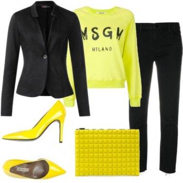 Outfit Felpa e tailleur