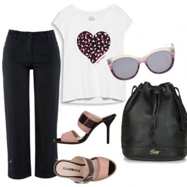 Outfit Basic , un cuore sul cuore