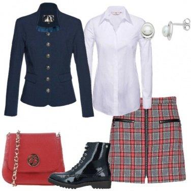 Outfit Minigonna tartan blazer blu