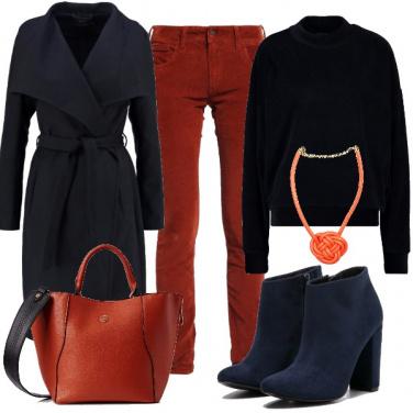 Outfit Blu, arancione e velluto